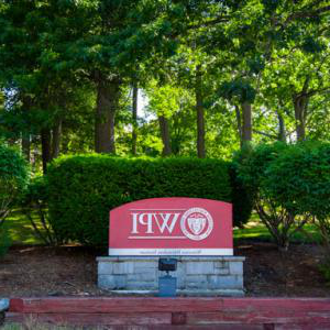 WPI sign in front of Campus